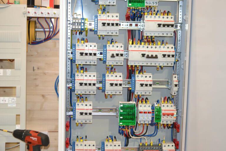 Электрощит для дома с подкючением от генератора